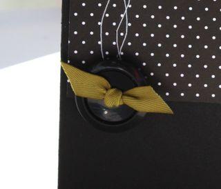 Button ribbon trough