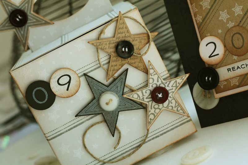 Star prints box detail